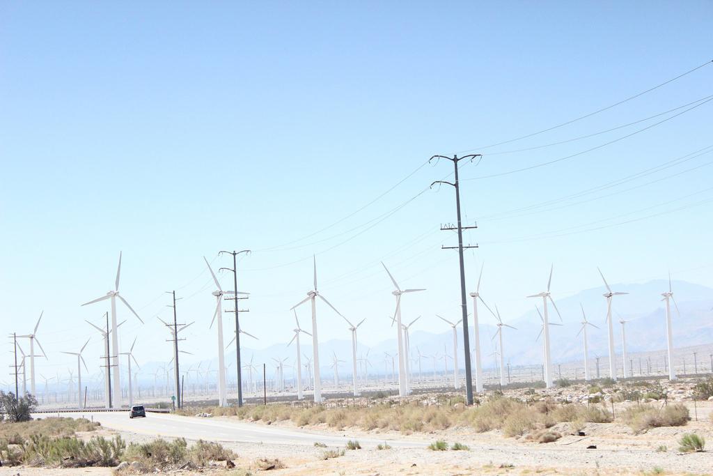 加州簽了! 2045年100%乾淨能源目標入法