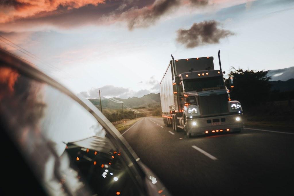 西方氣候大計連發 英2040年禁售油卡車、美提進口商品碳稅