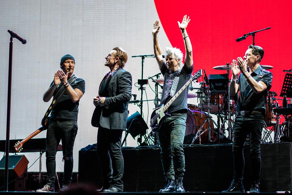 用無碳電力搖滾全場 天團U2與X Japan成員打造再生能源演唱會